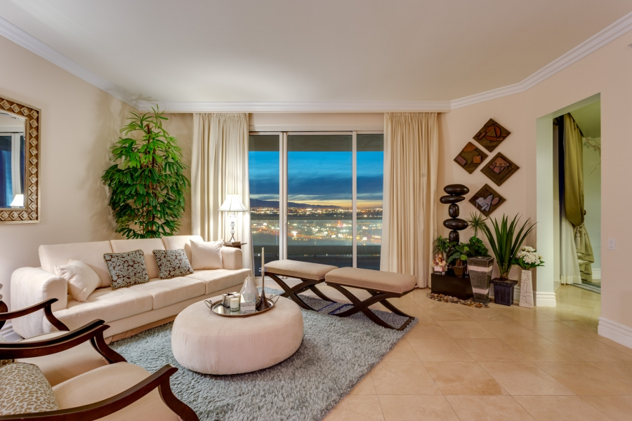 Turnberry Place Luxe Estates & Lifestyles